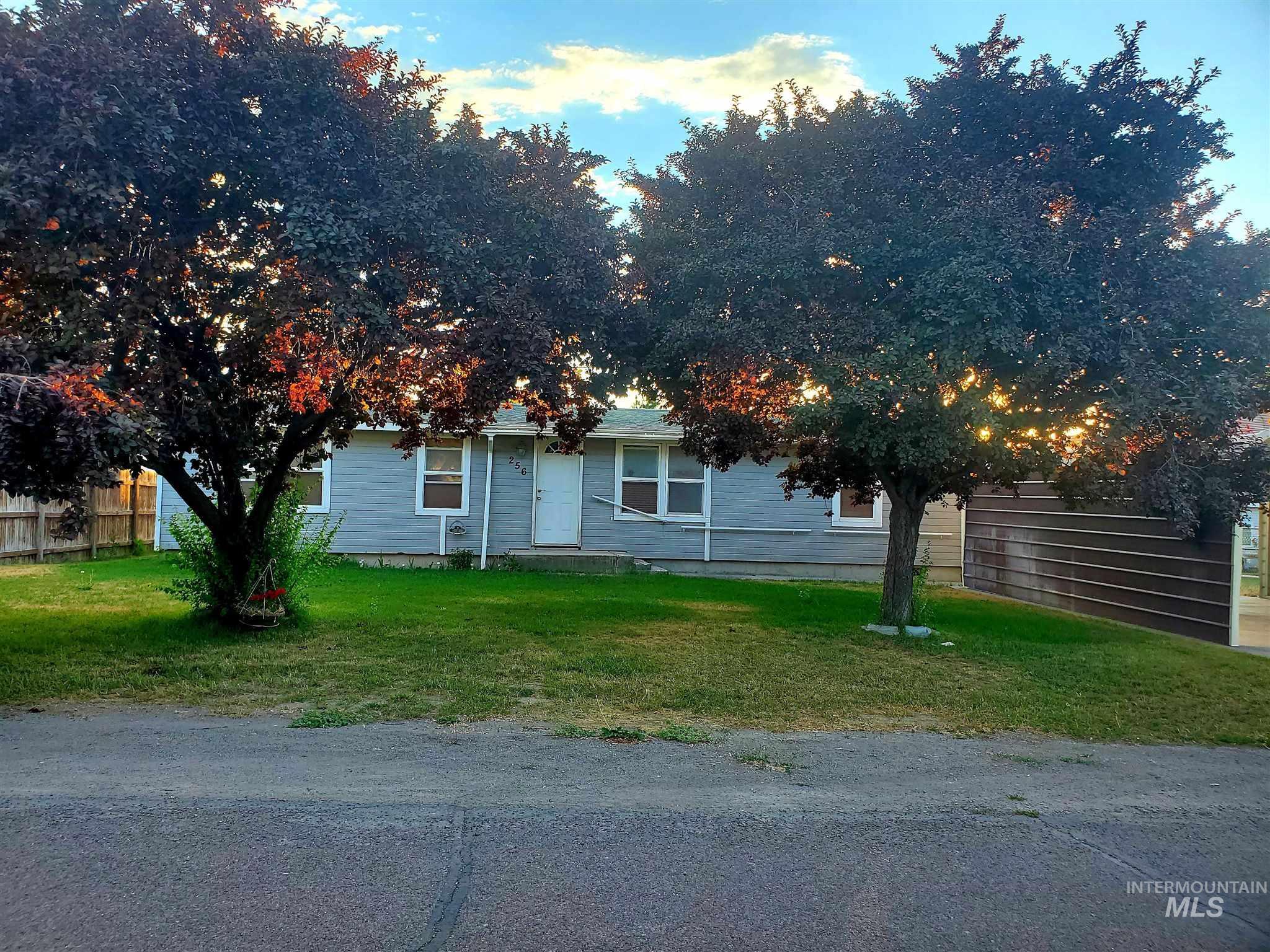 256 W 1st Avenue Property Photo