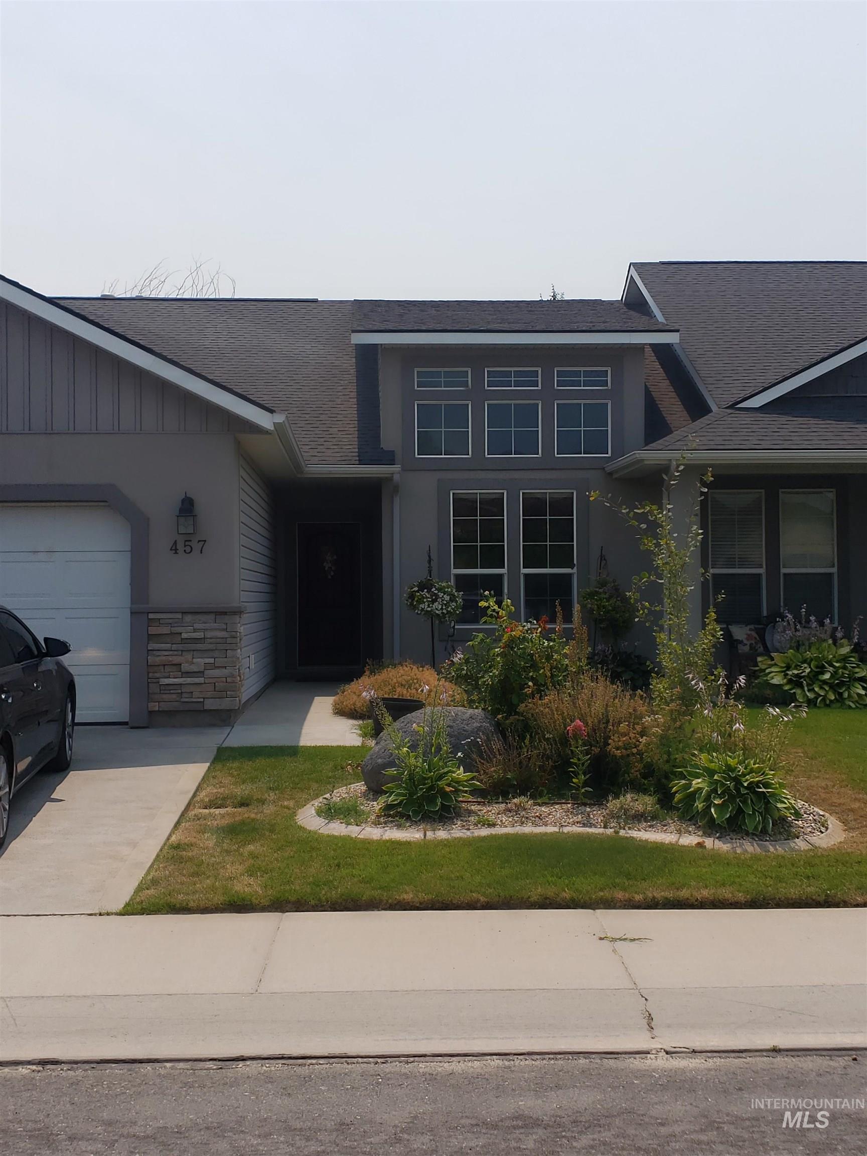 457 Falling Leaf Property Photo