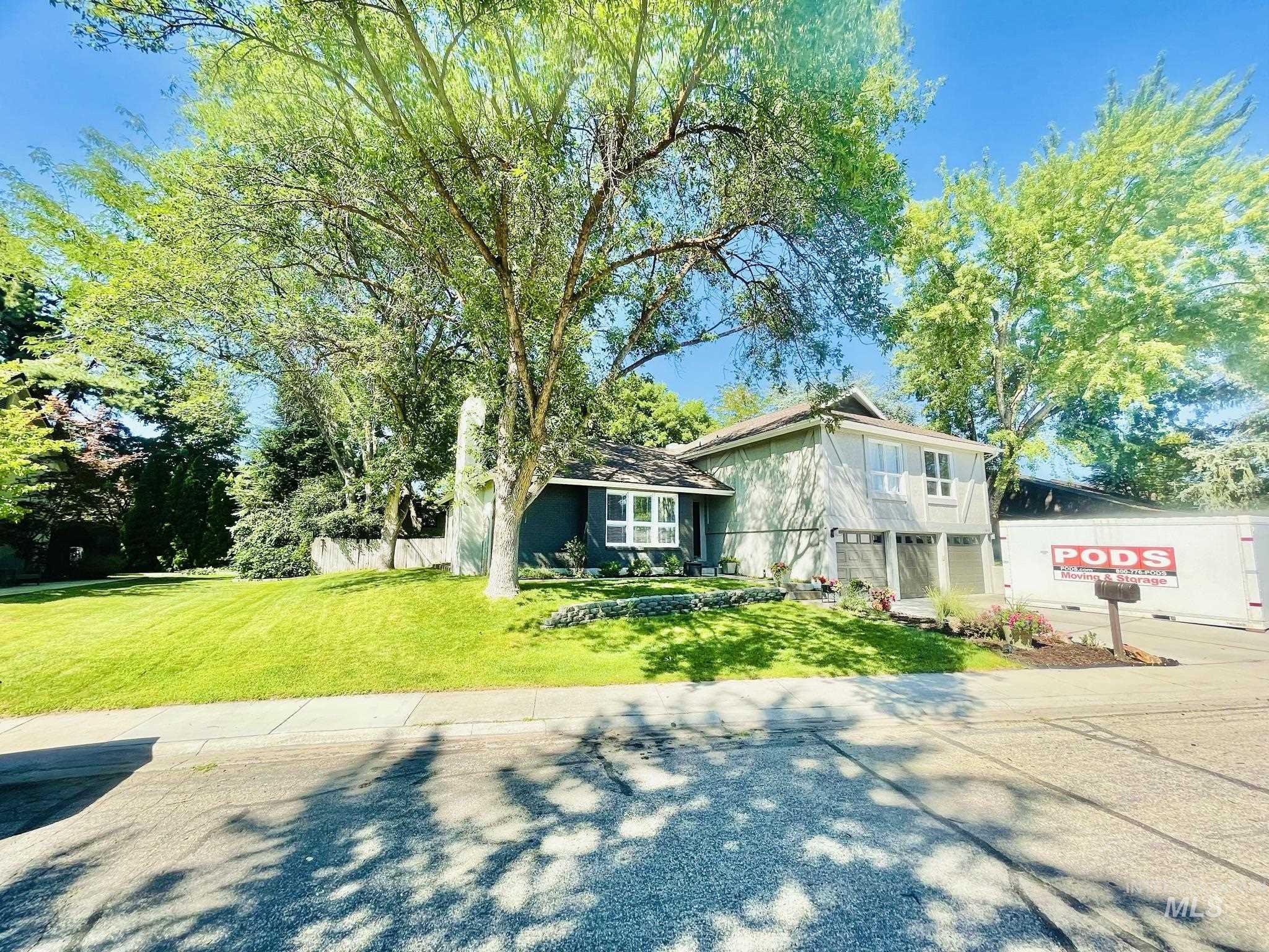 10140 W Hickory Ct Property Photo