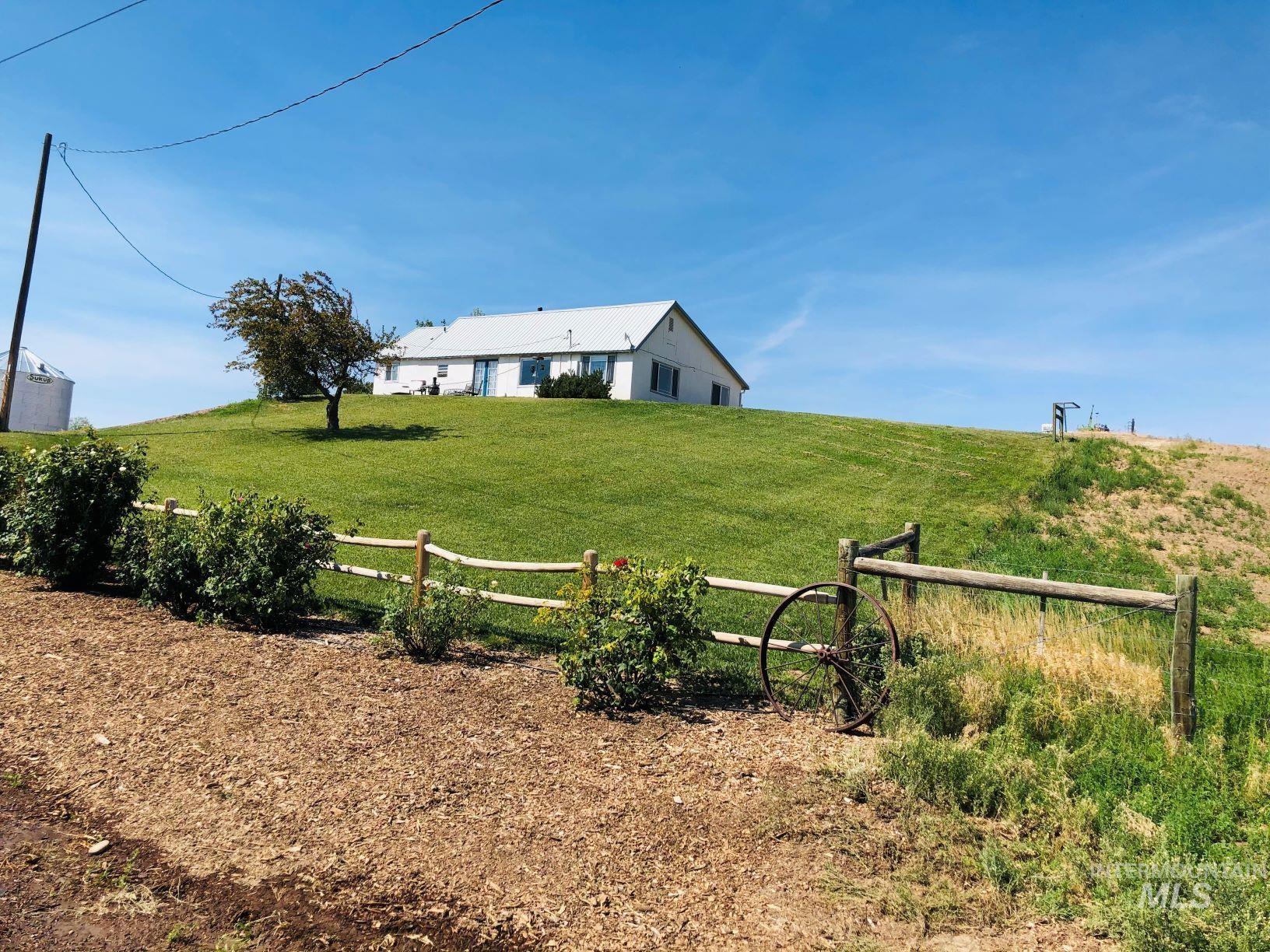 401 Juniper B Property Photo