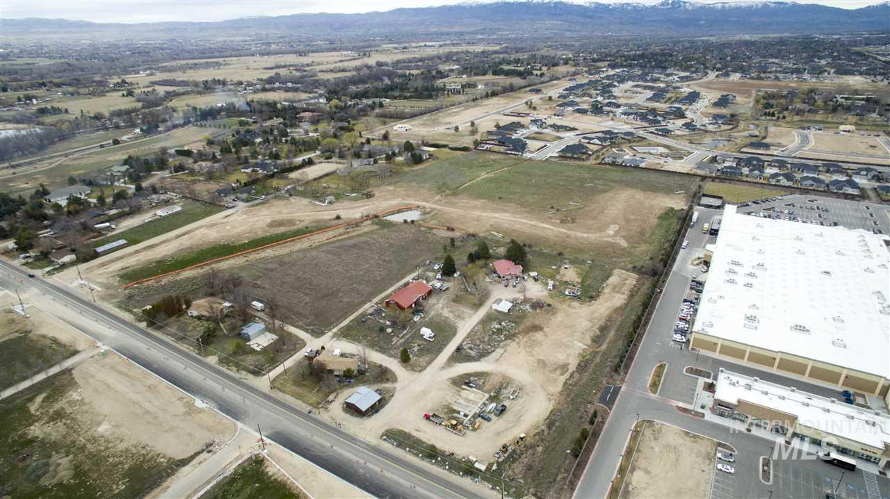 6910 N Linder Road Property Photo 1