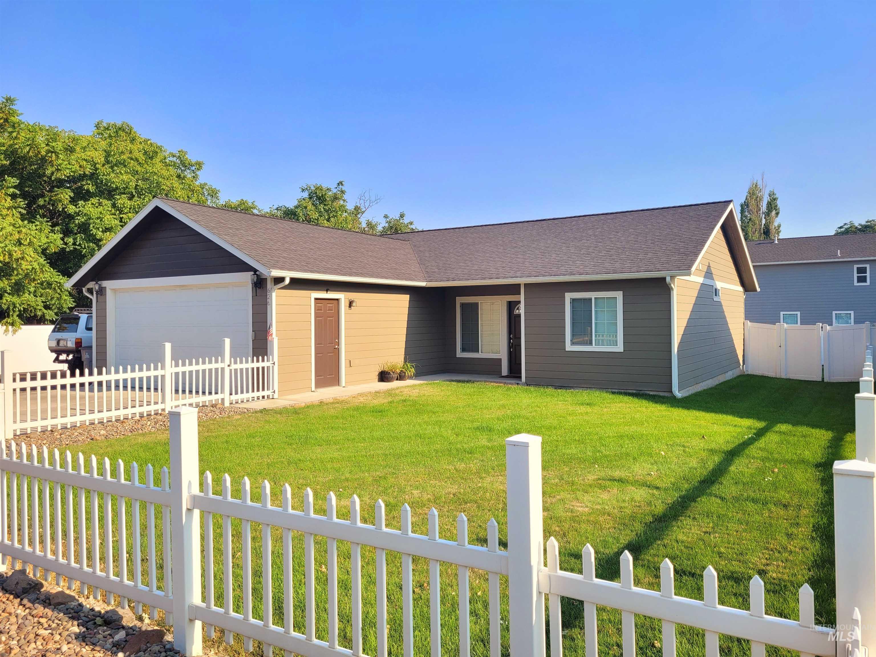 626 Cedar Avenue Property Photo