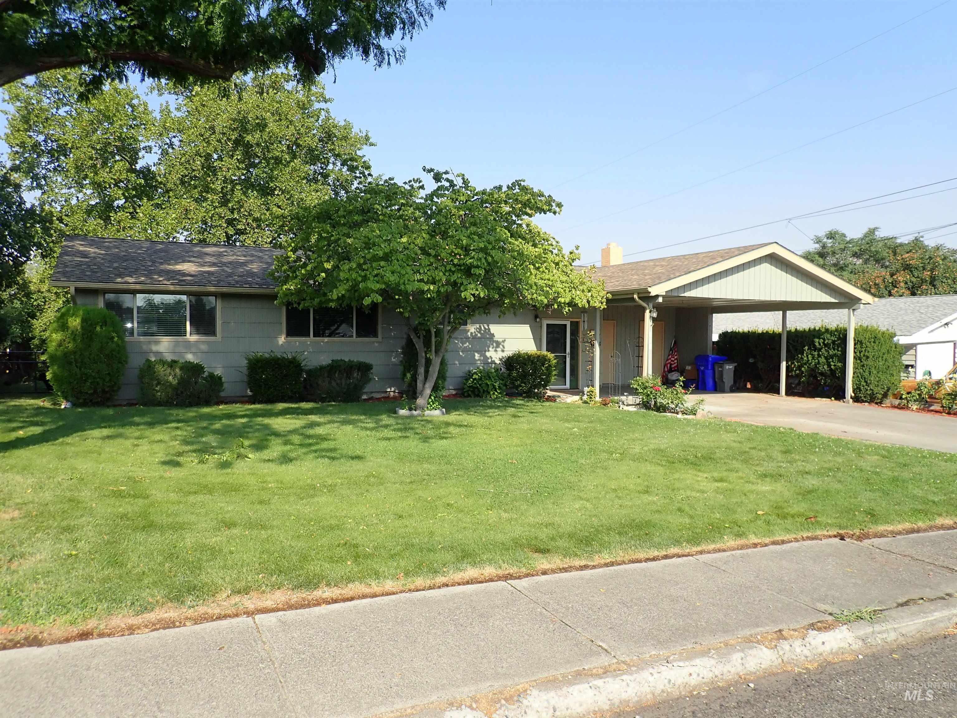 818 19th St Property Photo
