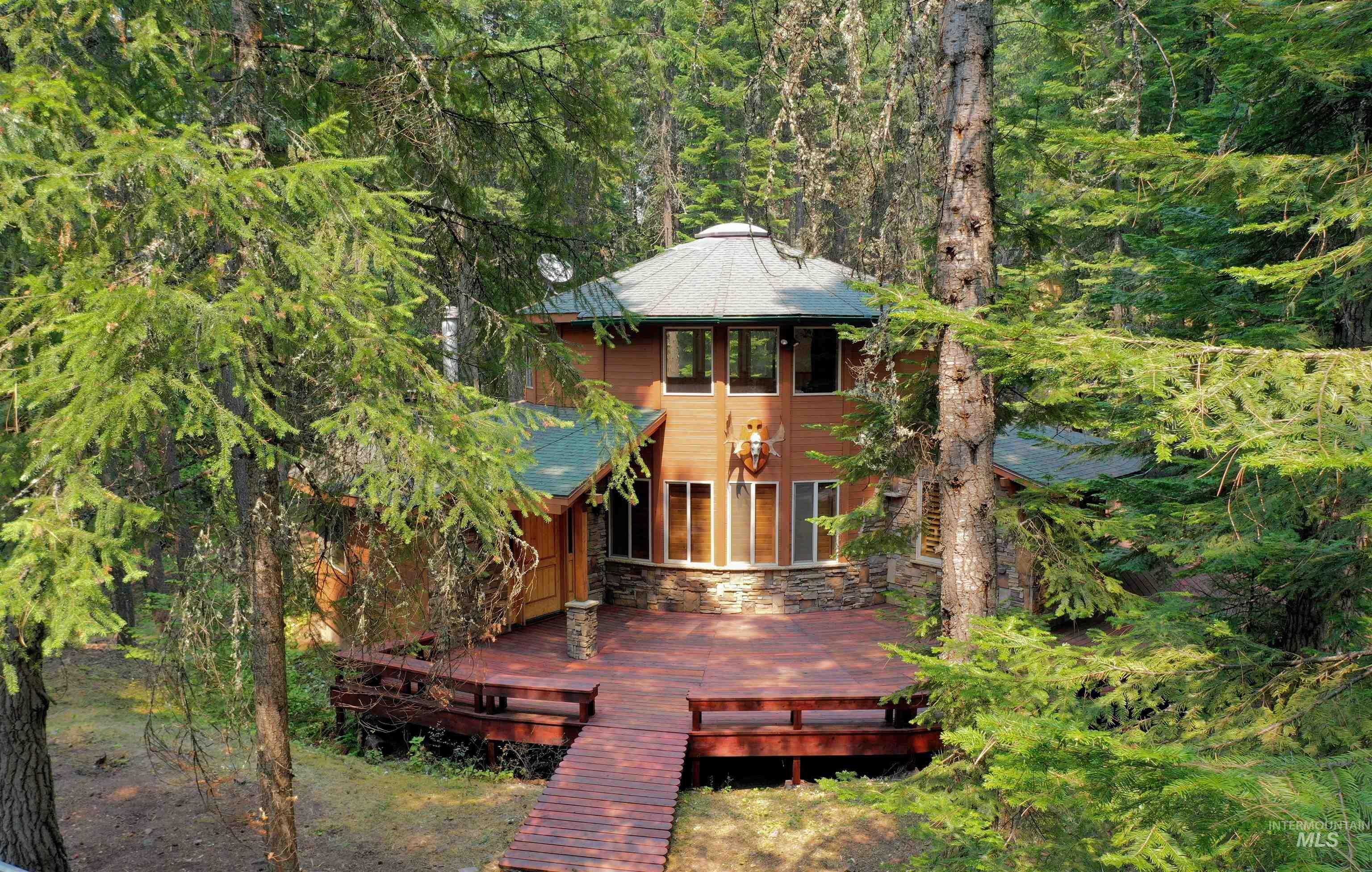 215 Falcon Ridge Dr Property Photo