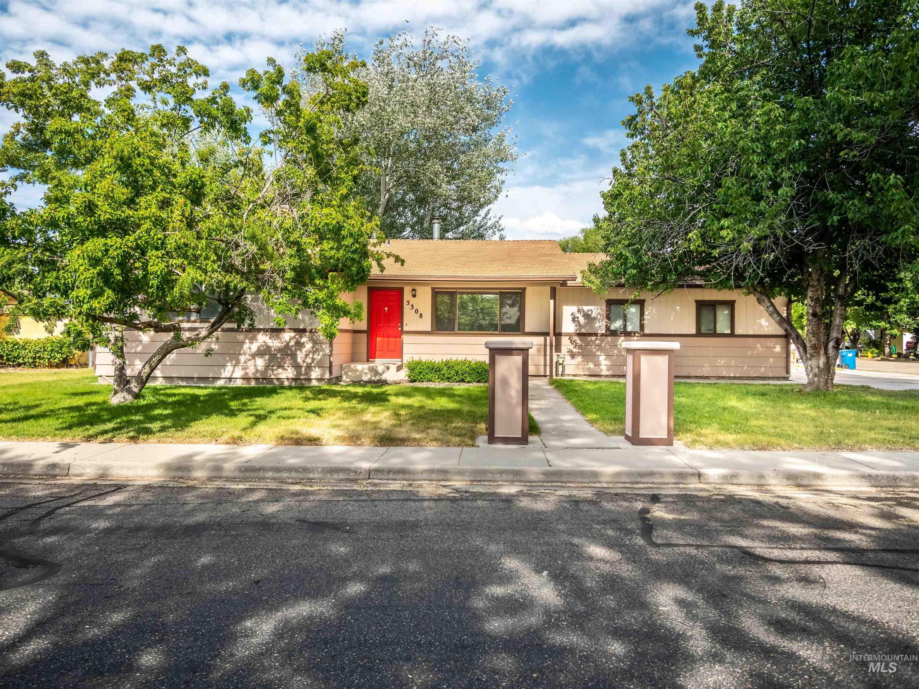 Elmcrest Sub Real Estate Listings Main Image