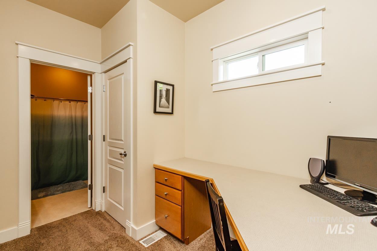 2108 N Trail Creek Lane Property Photo 31