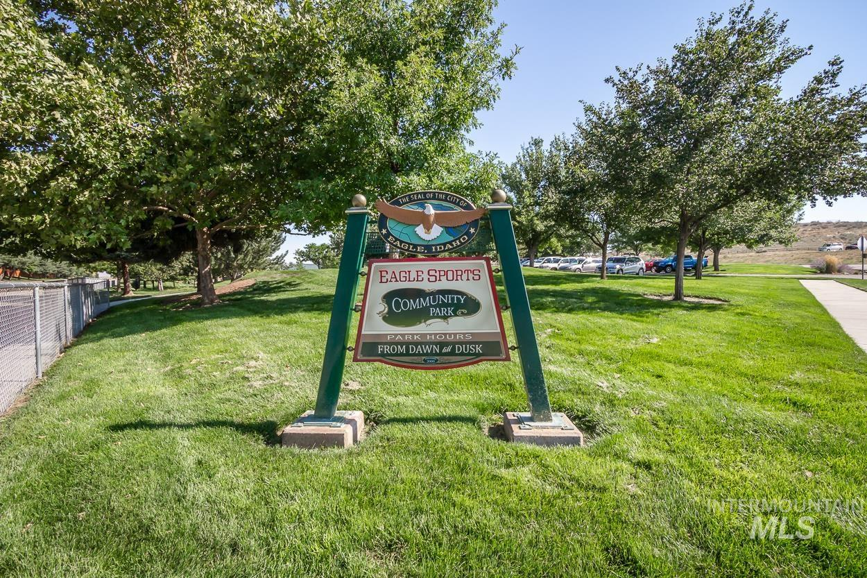2108 N Trail Creek Lane Property Photo 35