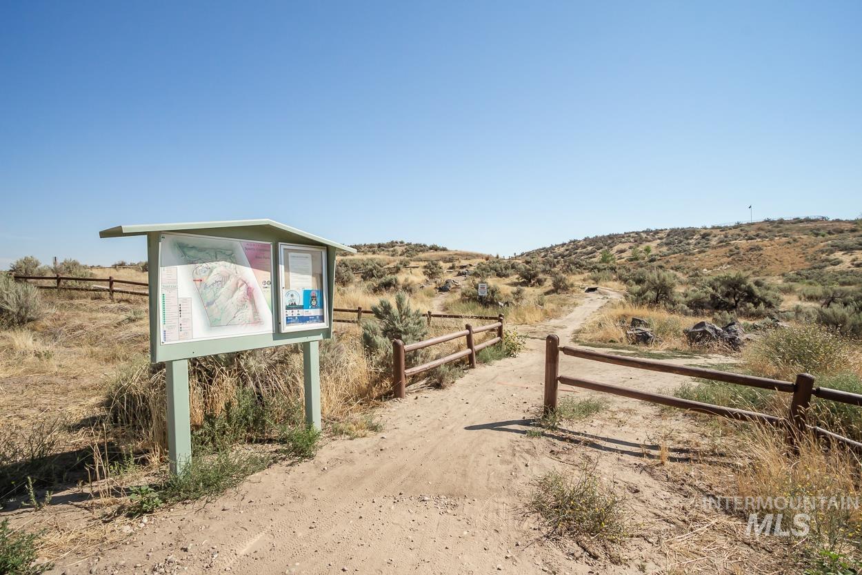 2108 N Trail Creek Lane Property Photo 36