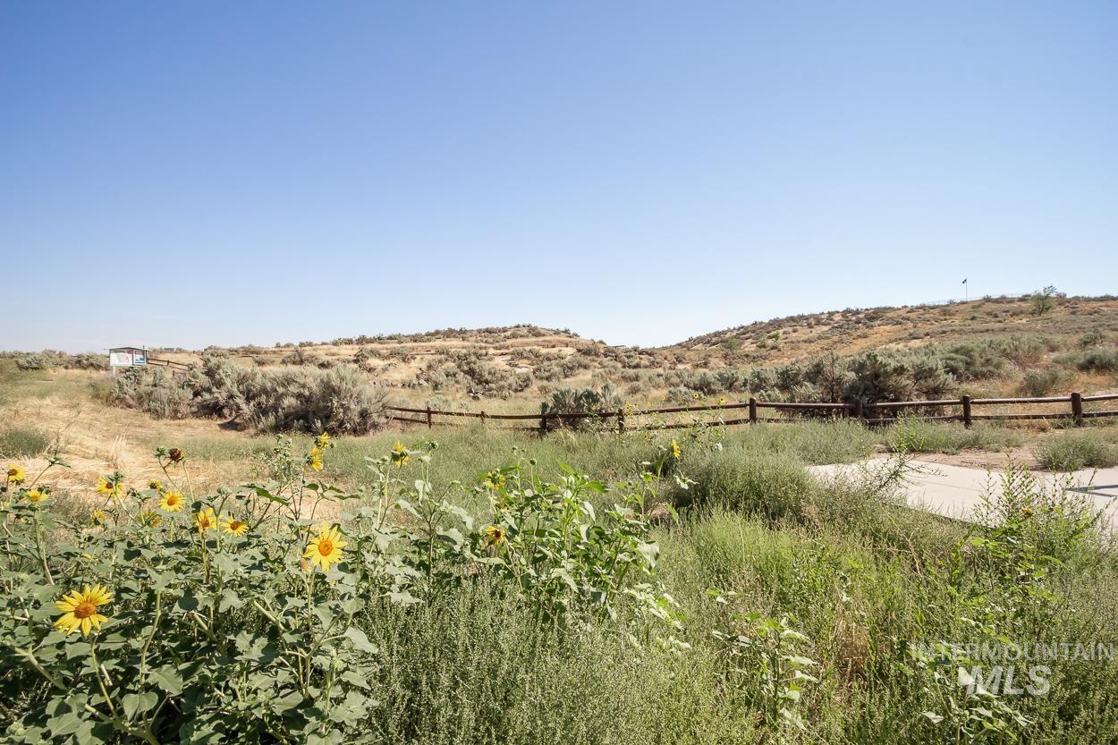 2108 N Trail Creek Lane Property Photo 37