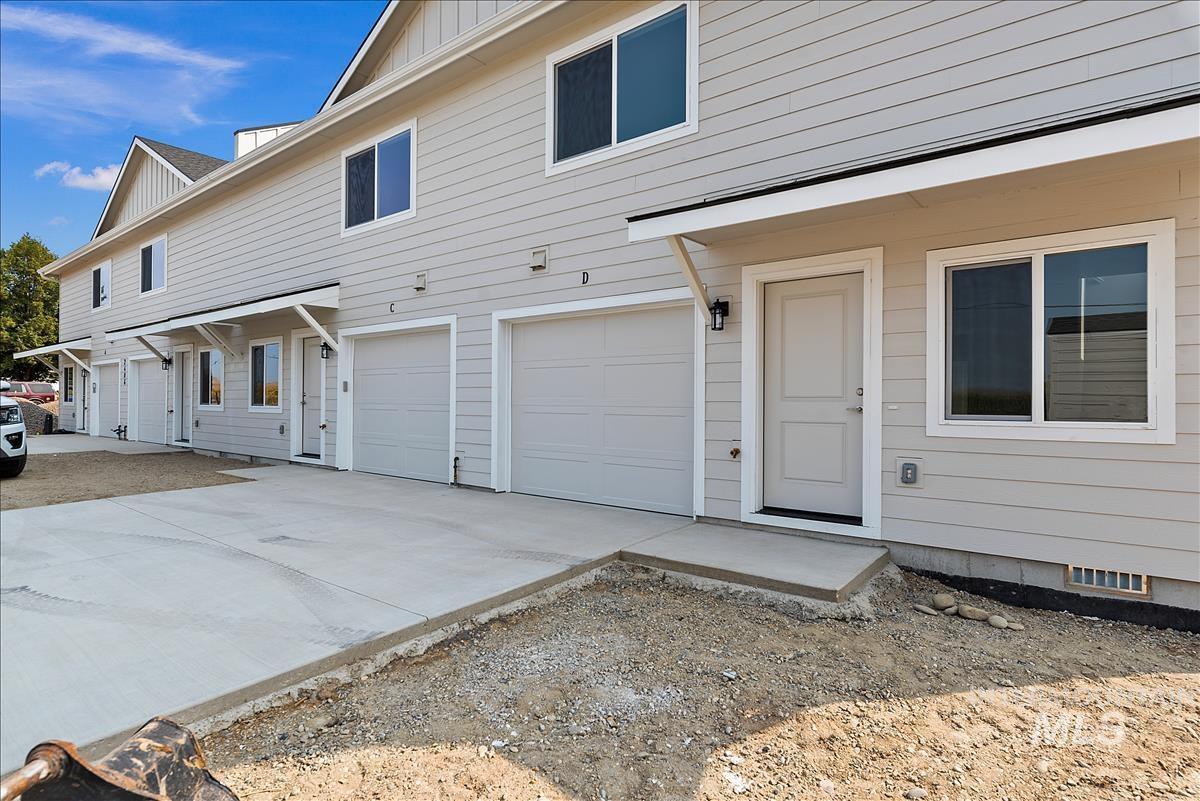 2406 N Washington Ave Property Photo