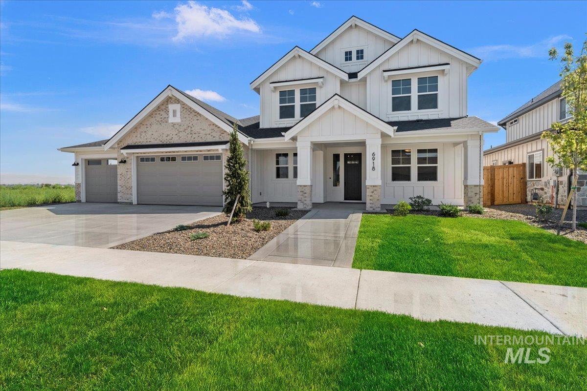 6918 N Adale Way Property Photo 1