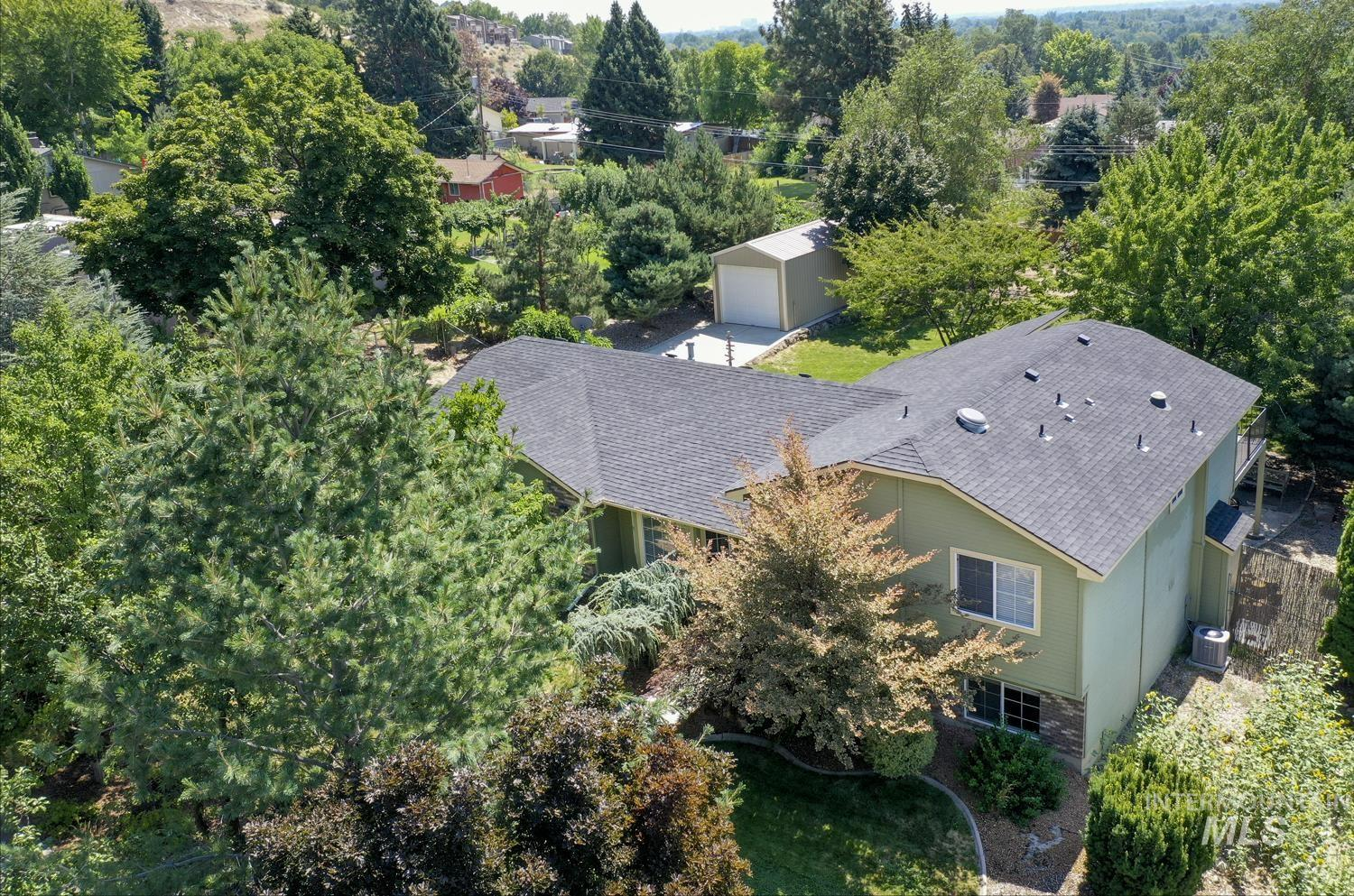 4913 W Outlook Ave Property Photo 1