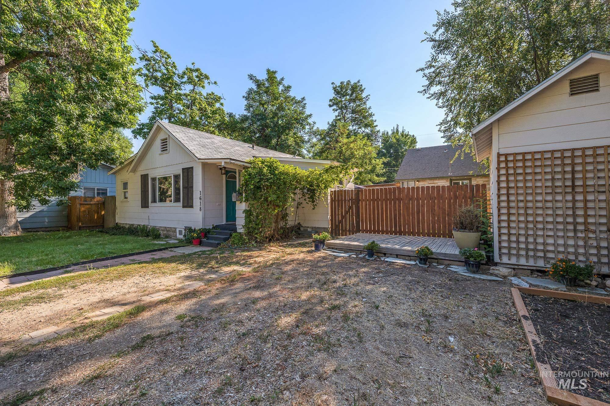 1618 S Lincoln Property Photo