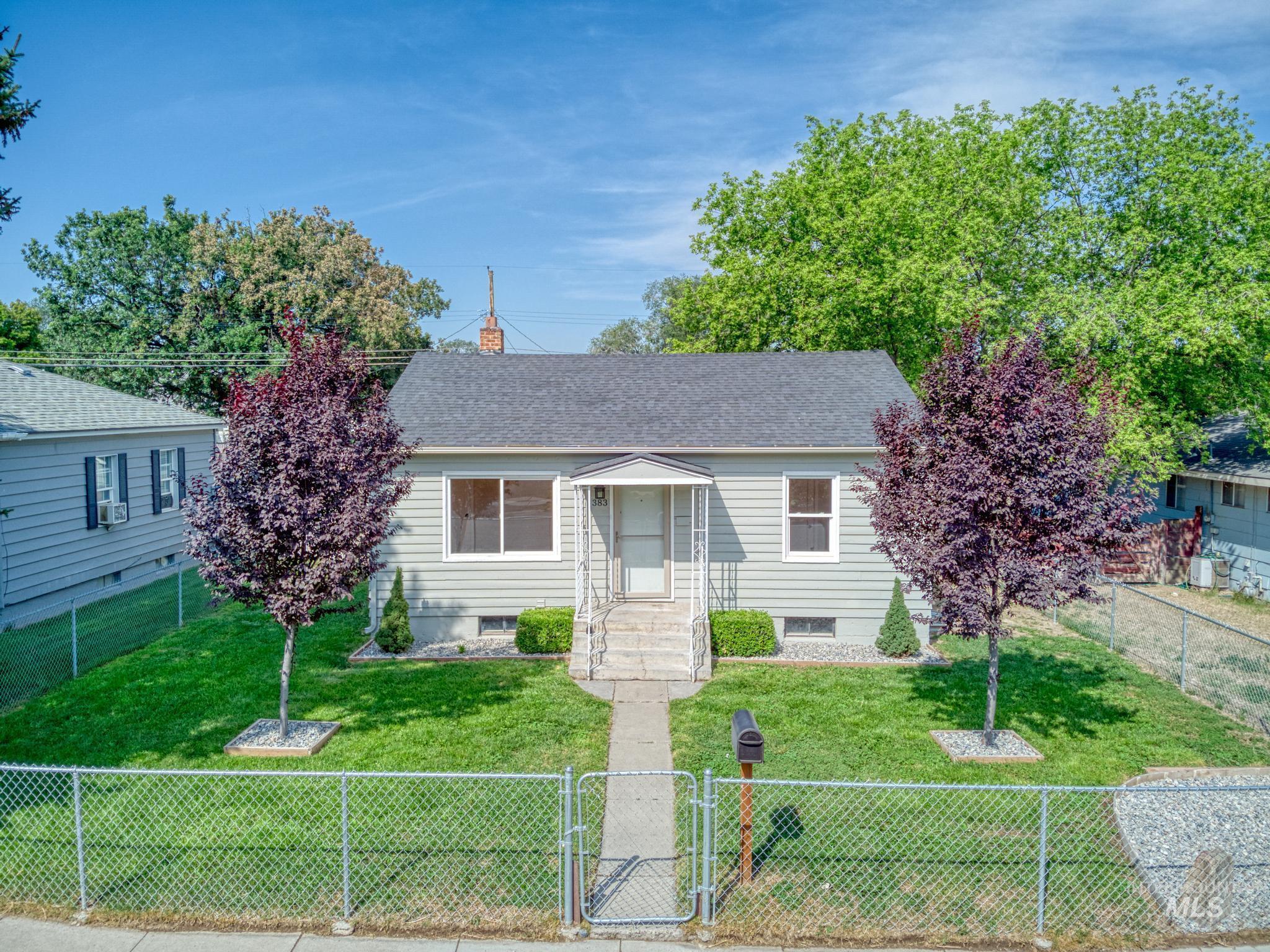 383 Madison St Property Photo 1