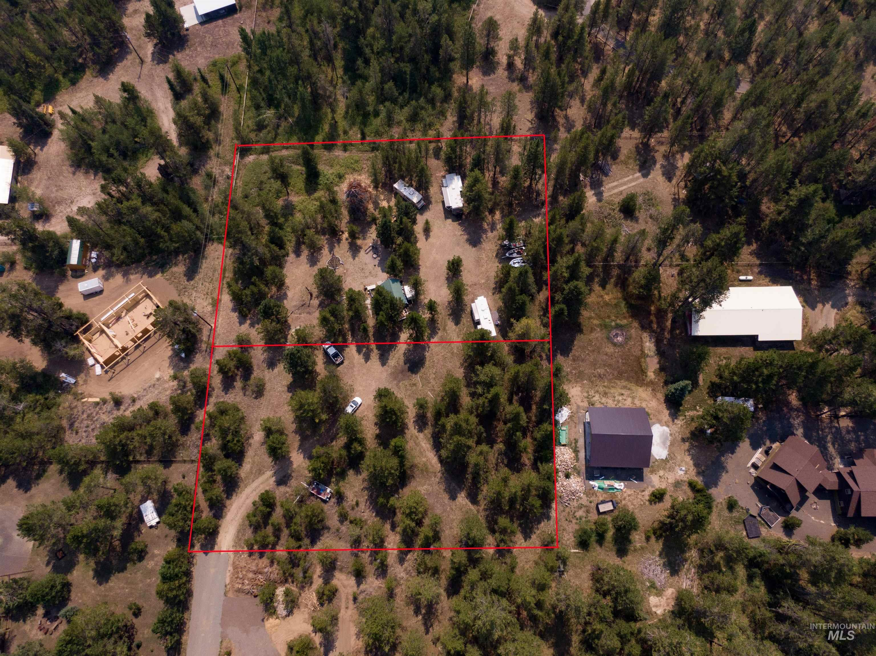 101 B Westwind Ln Property Photo 2