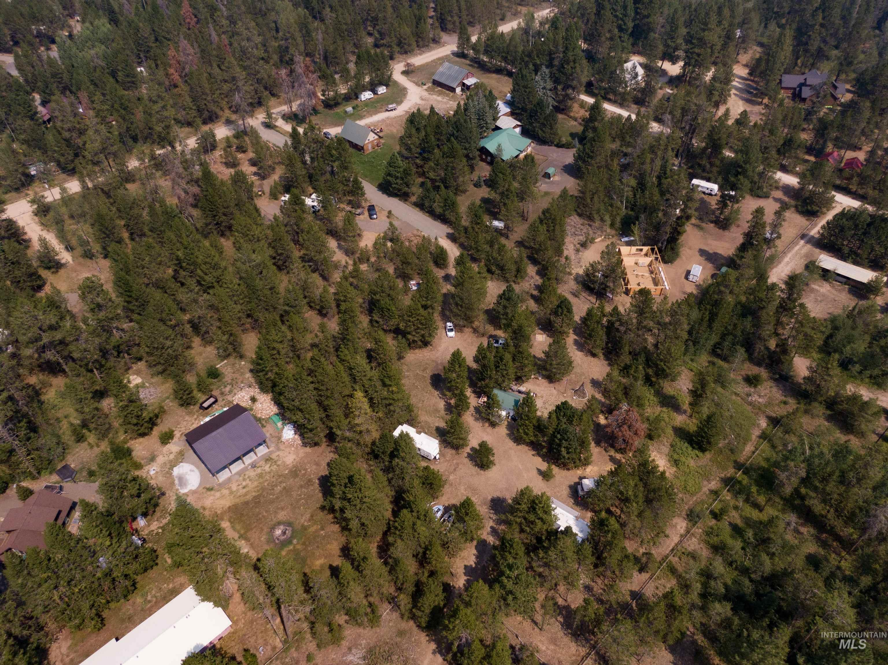 101 B Westwind Ln Property Photo 3
