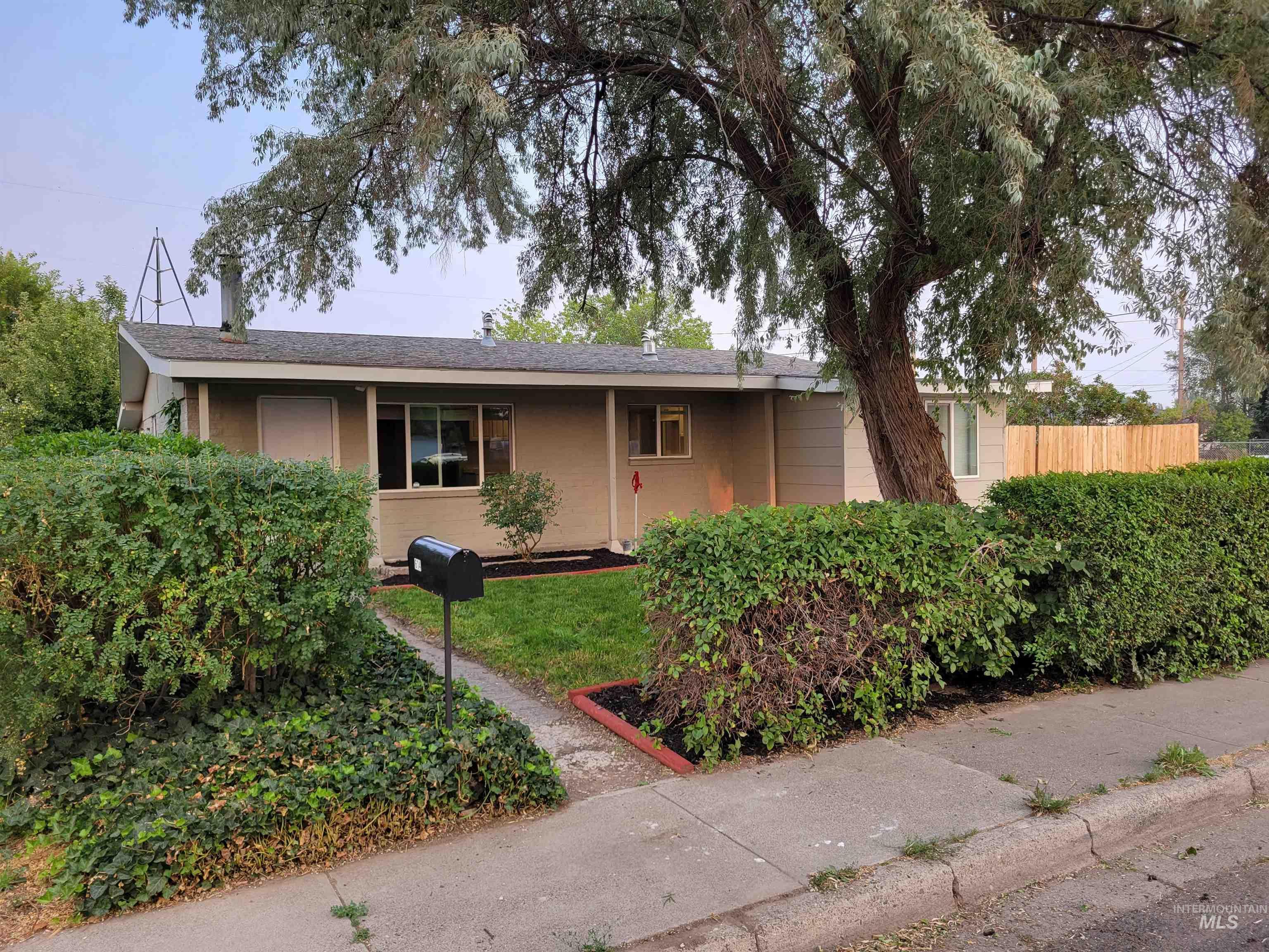 614 S C Street Property Photo