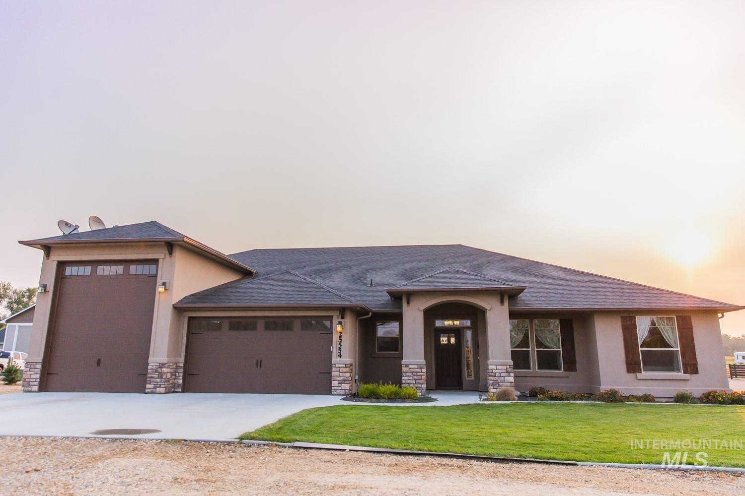 25554 Clubhouse Court Property Photo