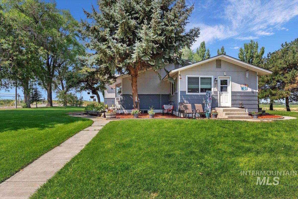 2326 E 1850 S Property Photo 8