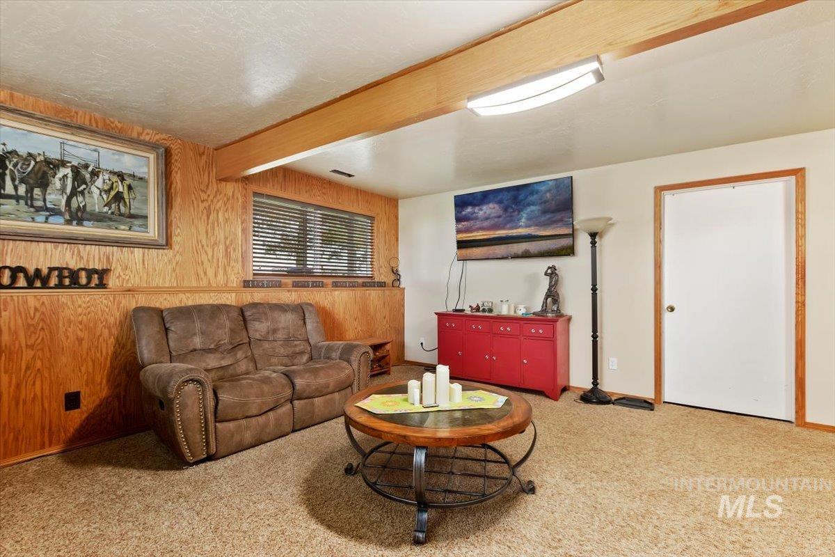 2326 E 1850 S Property Photo 32