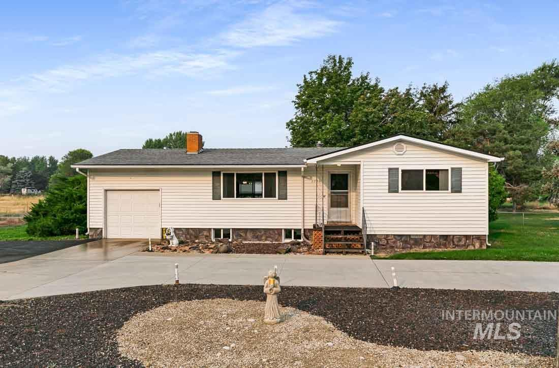 3745 S Maple Grove Road Property Photo