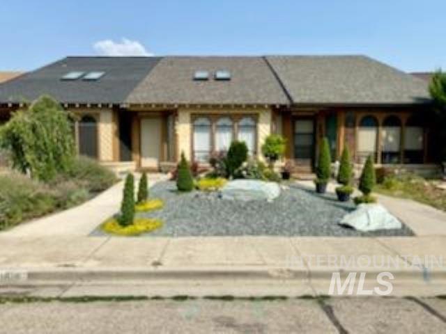 Denton Village Real Estate Listings Main Image