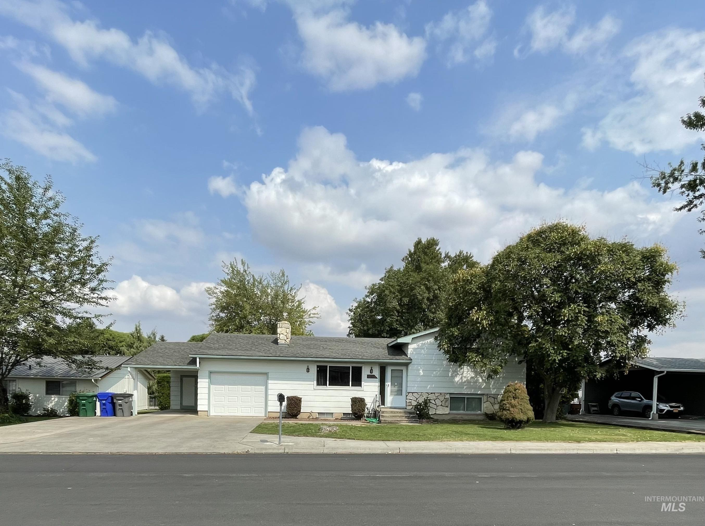 83510 Real Estate Listings Main Image
