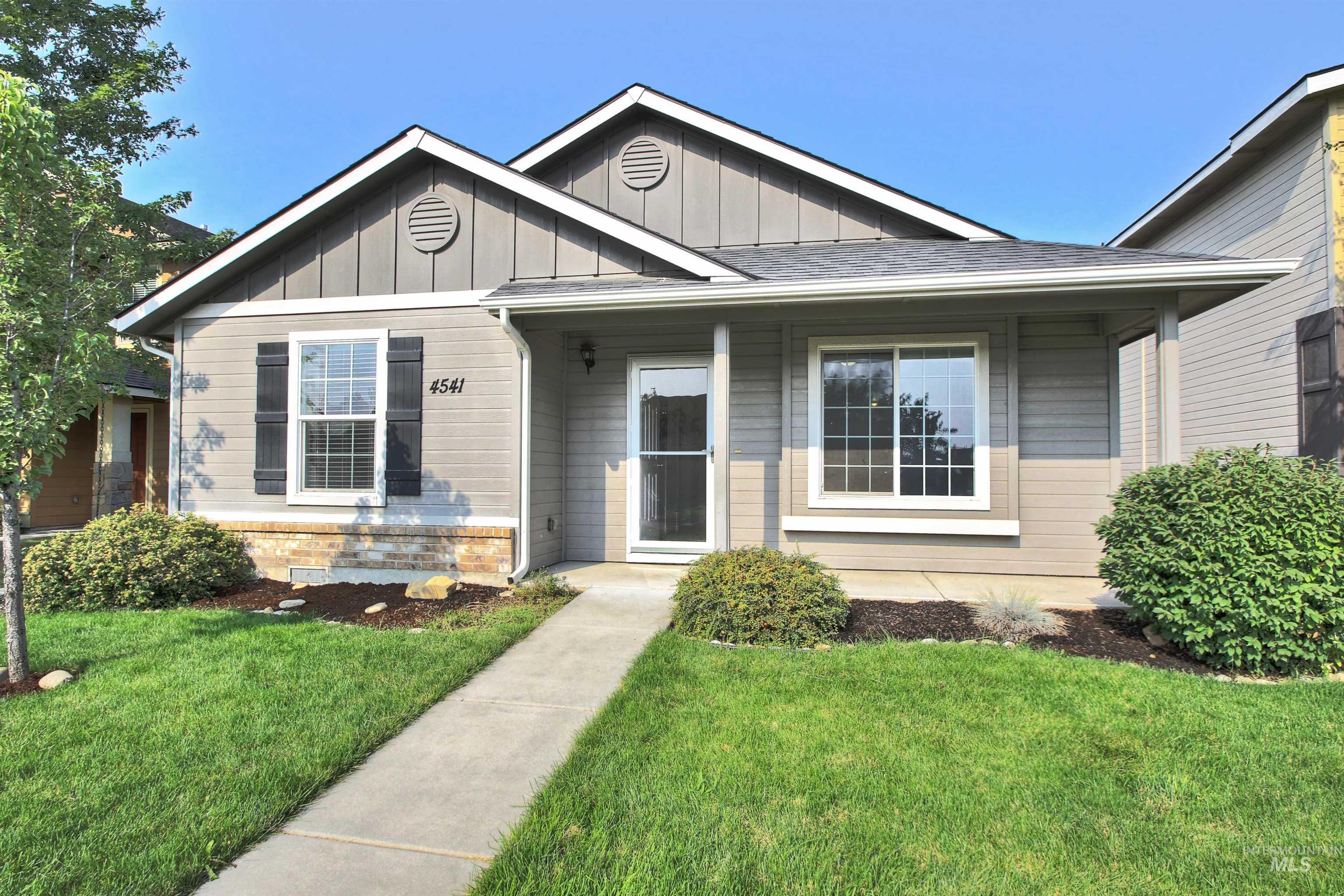 Ambercreek Real Estate Listings Main Image