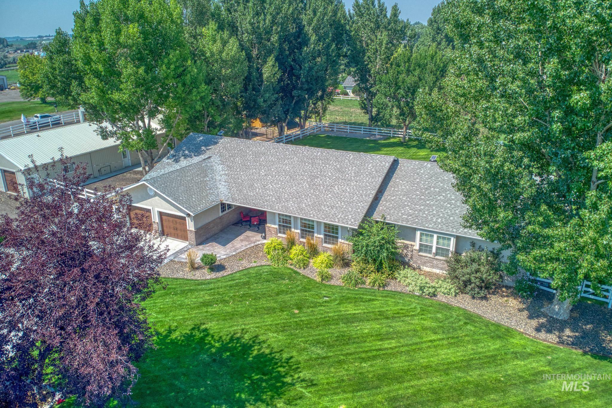 62 Sunnyside Dr Property Photo