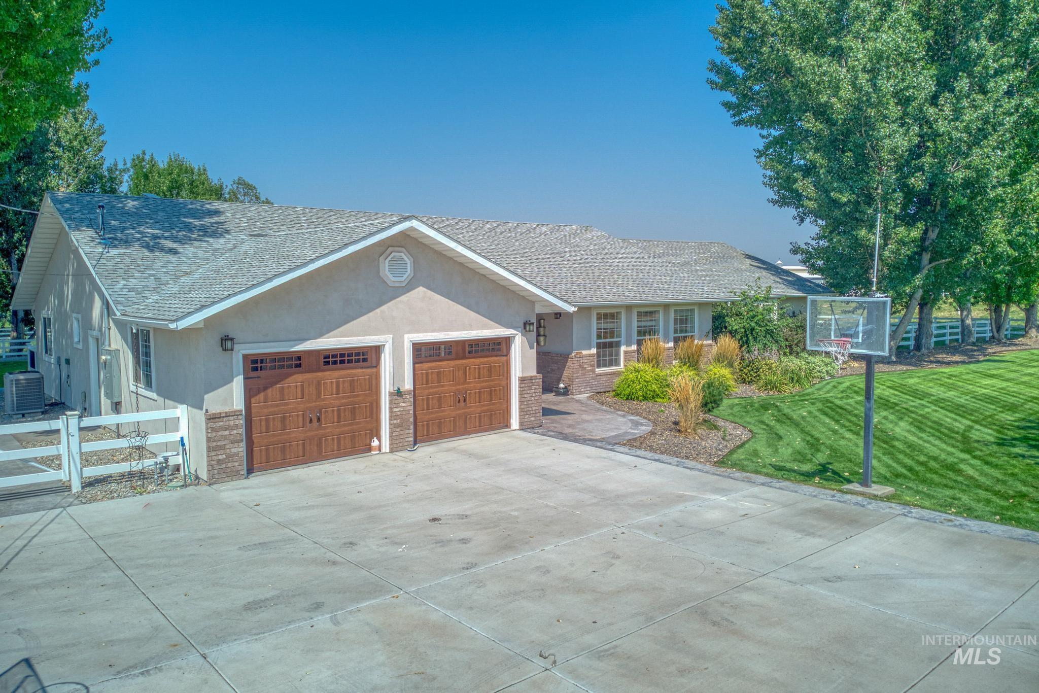 62 Sunnyside Dr Property Photo 5