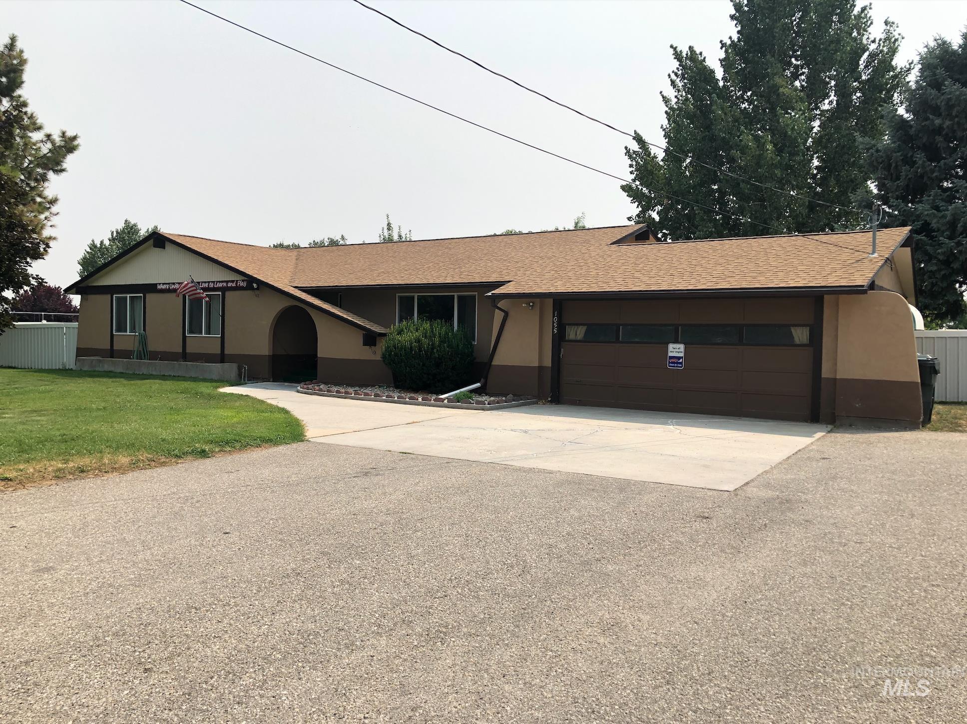 1055 W Deer Flat Rd. Property Photo