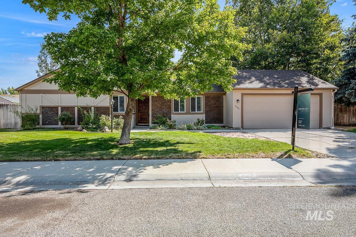 4250 N Creswell Way Property Photo