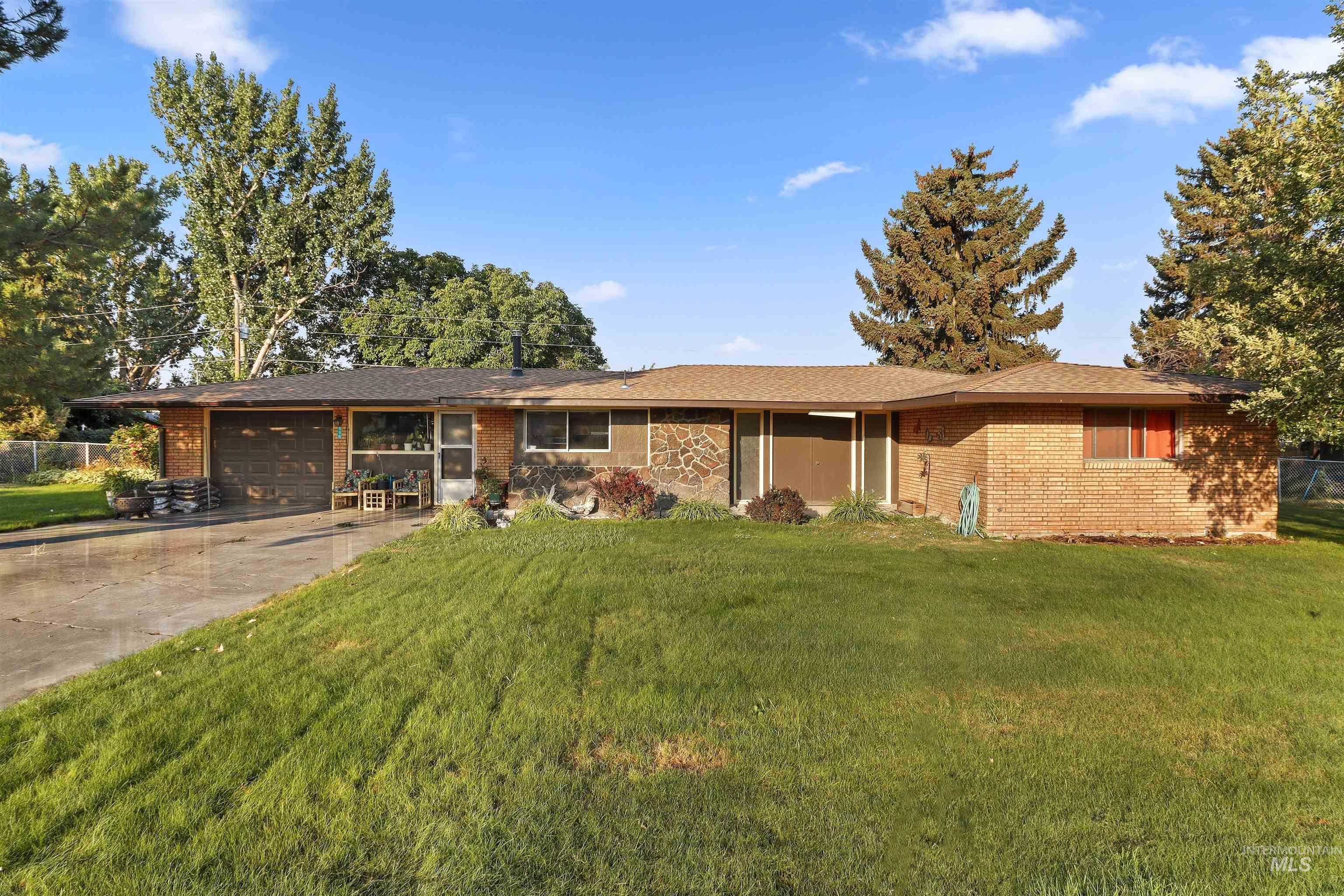 115 Brooklane N Property Photo