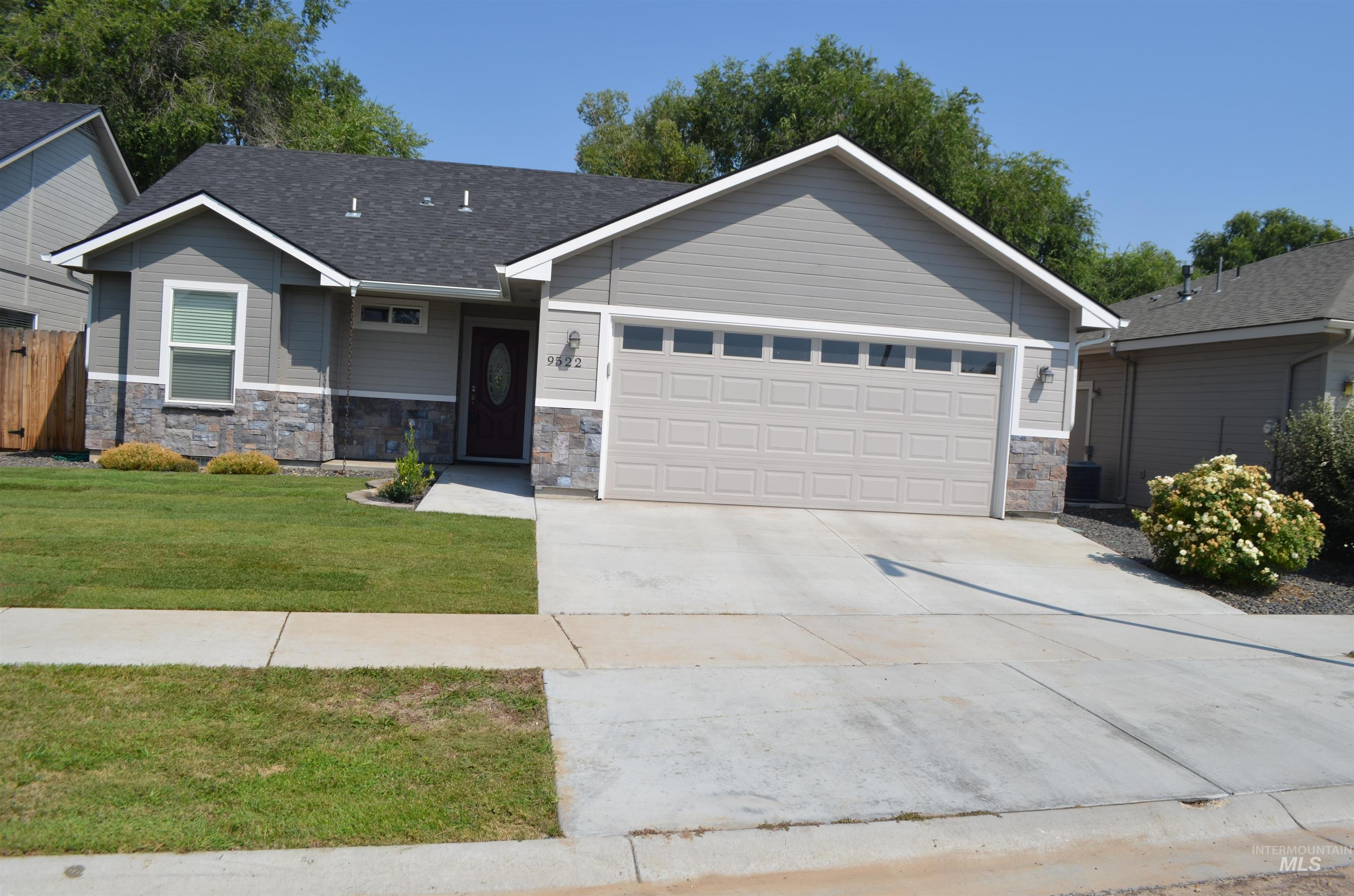 Coldwell Heights Real Estate Listings Main Image