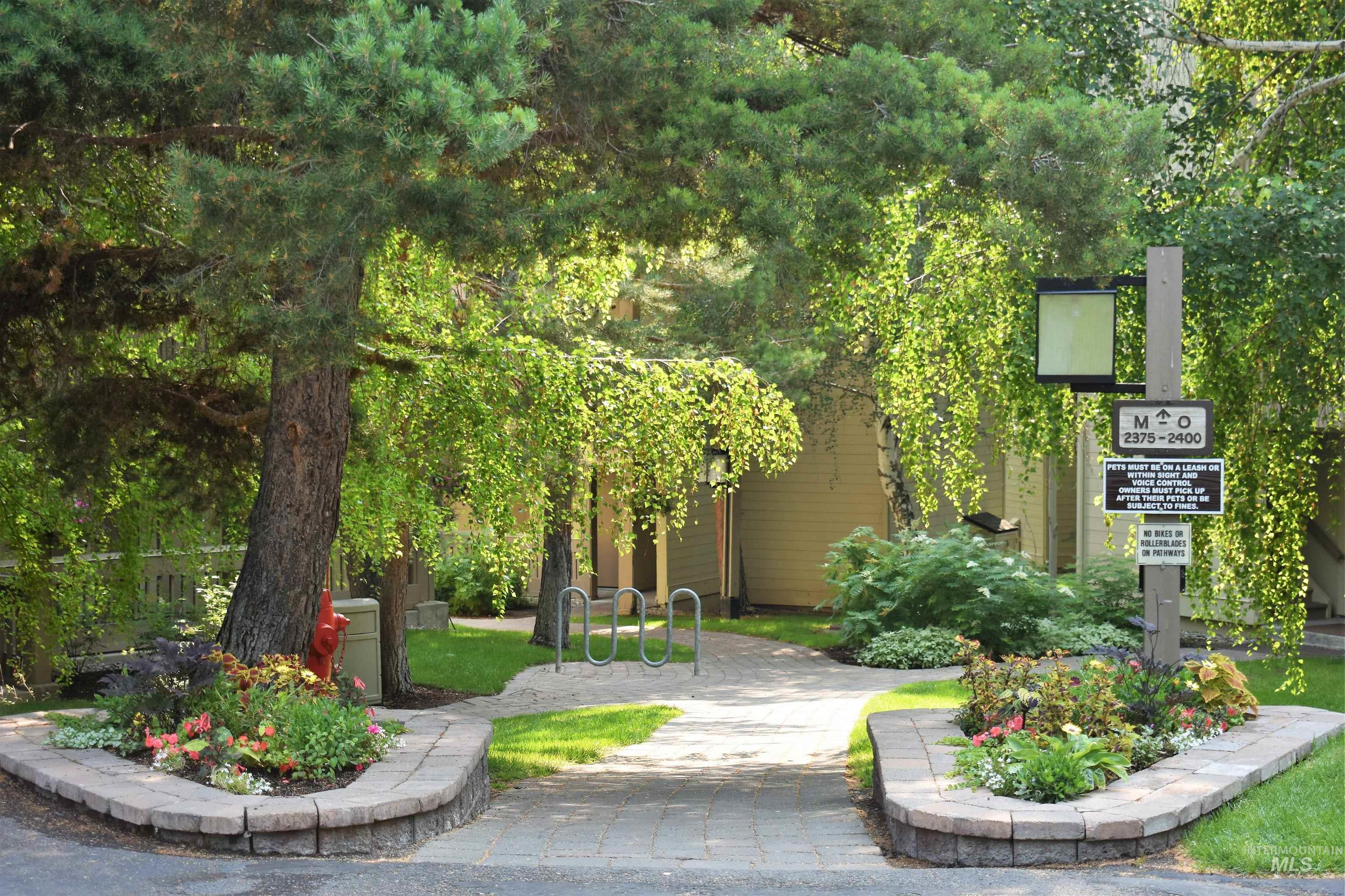 2377 Indian Springs Condo Dr Property Photo