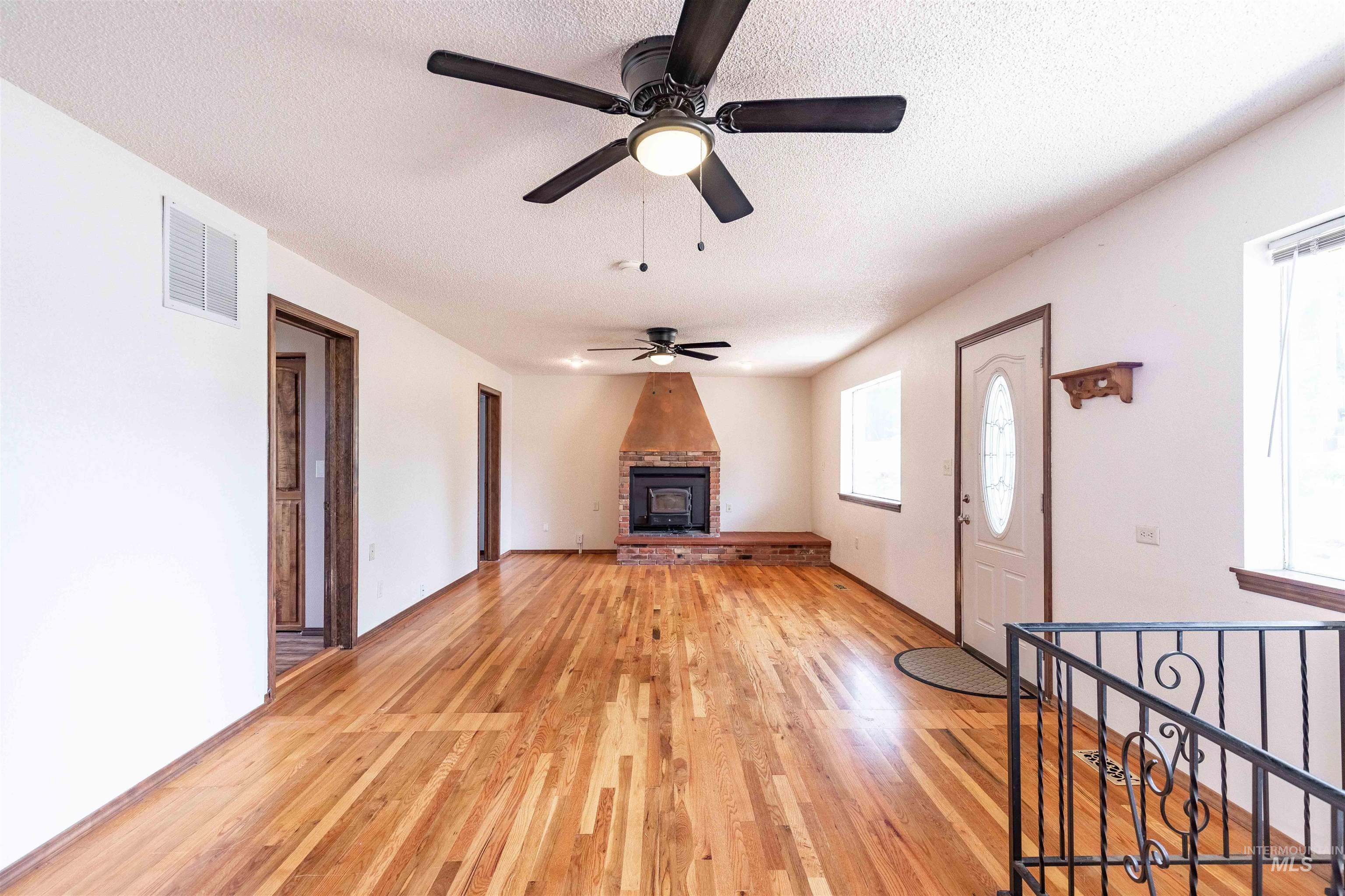 346 N Jackson Property Photo 7