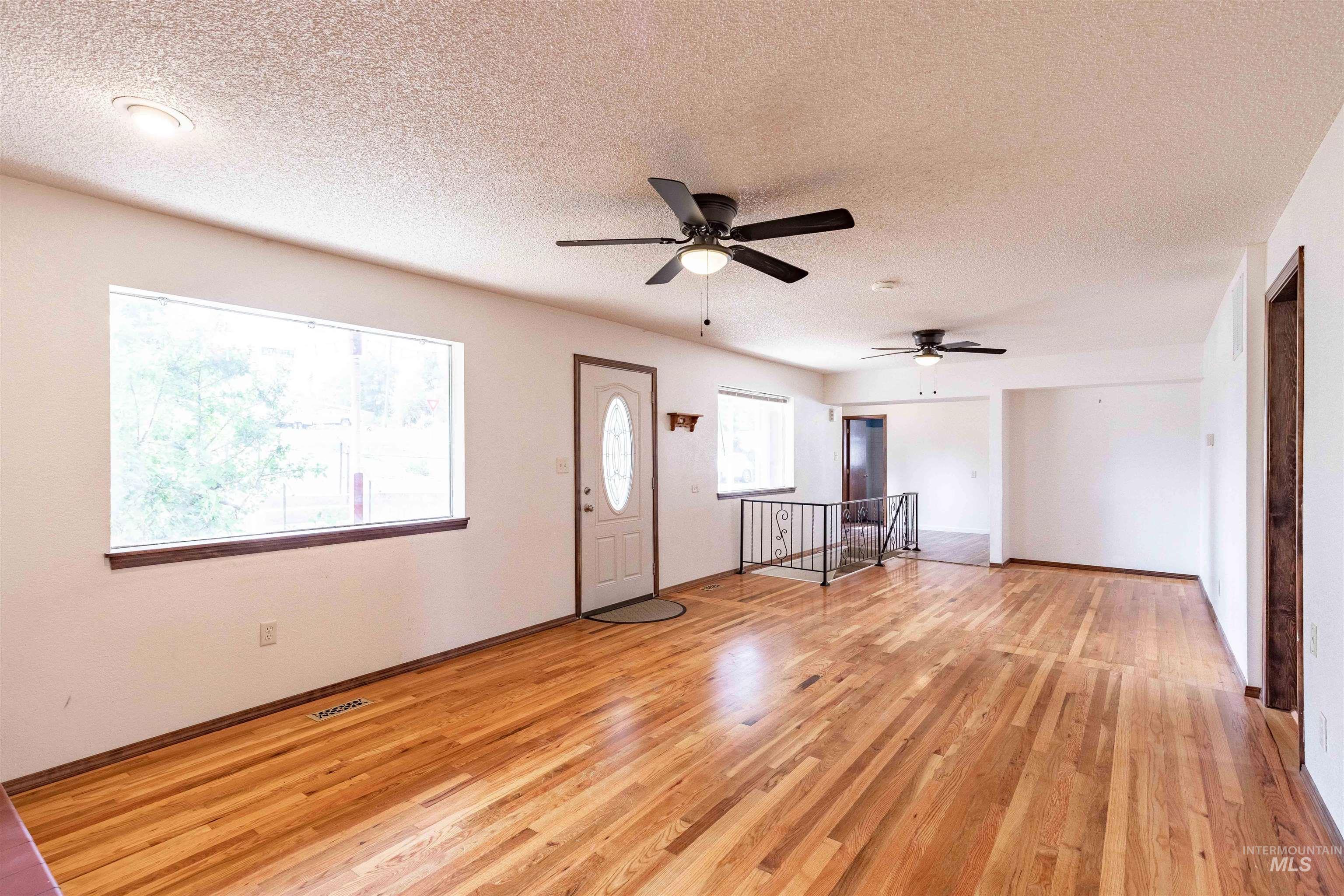 346 N Jackson Property Photo 8