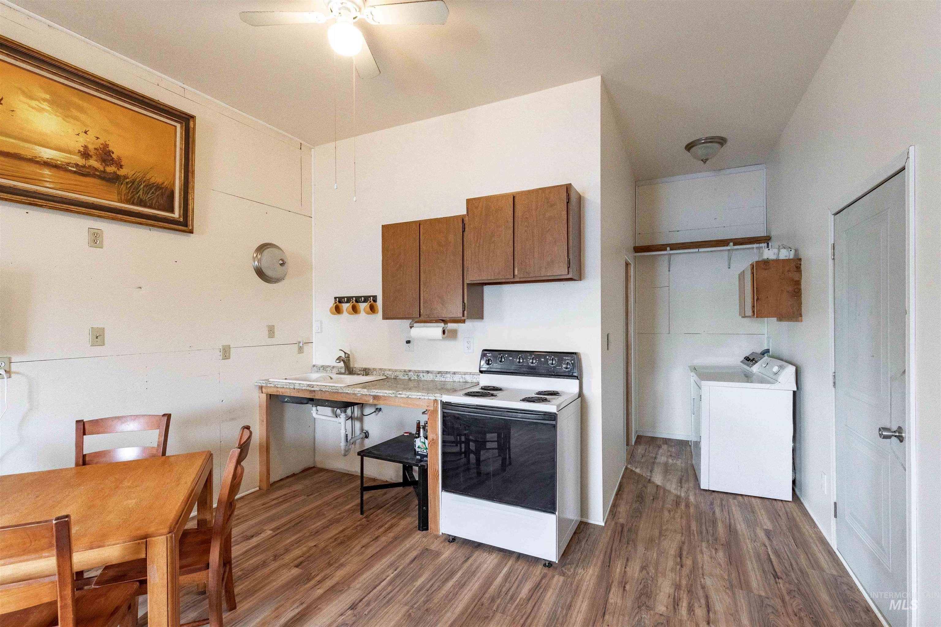346 N Jackson Property Photo 31