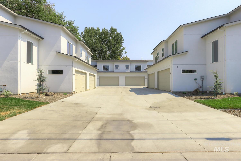 2316 + S Phillippi Street Property Photo 1