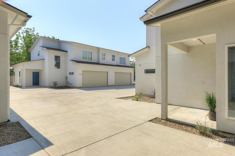 2316 + S Phillippi Street Property Photo 29