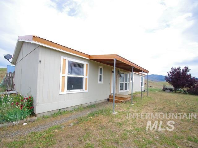 1211 Mesa Road Property Photo