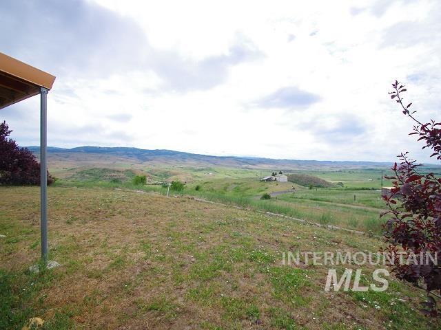 1211 Mesa Road Property Photo 2
