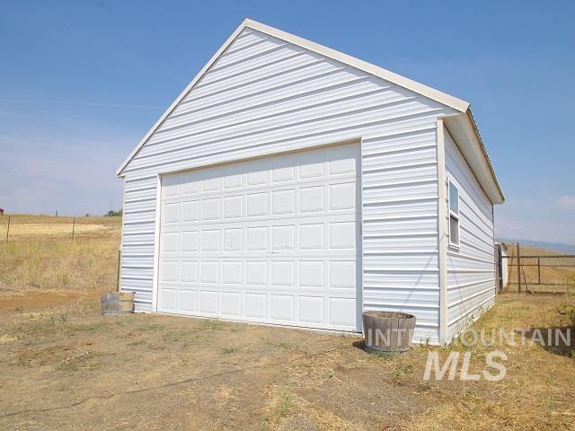 1211 Mesa Road Property Photo 6
