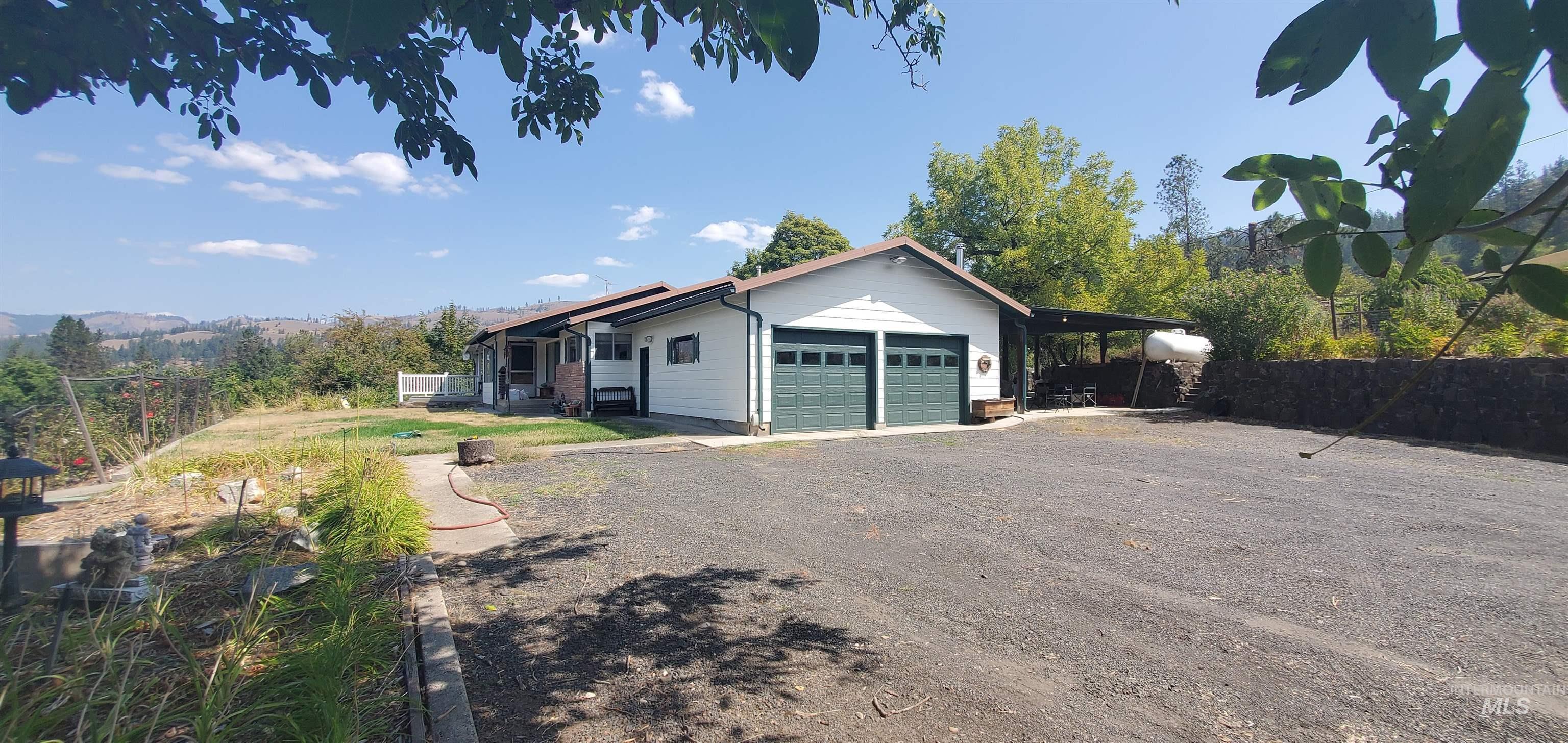 4379 Hwy 12 Property Photo