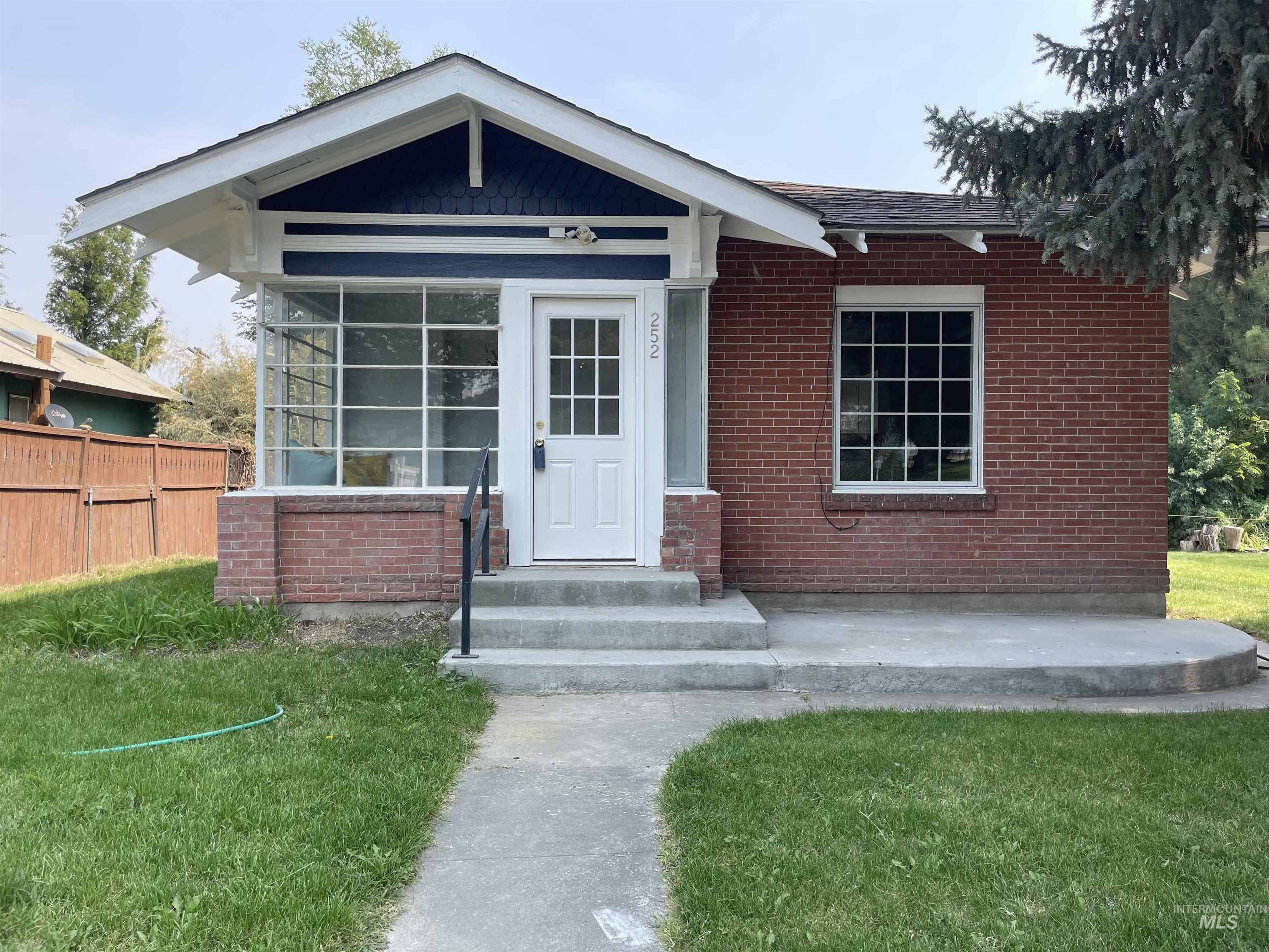 252 N Kansas Property Photo