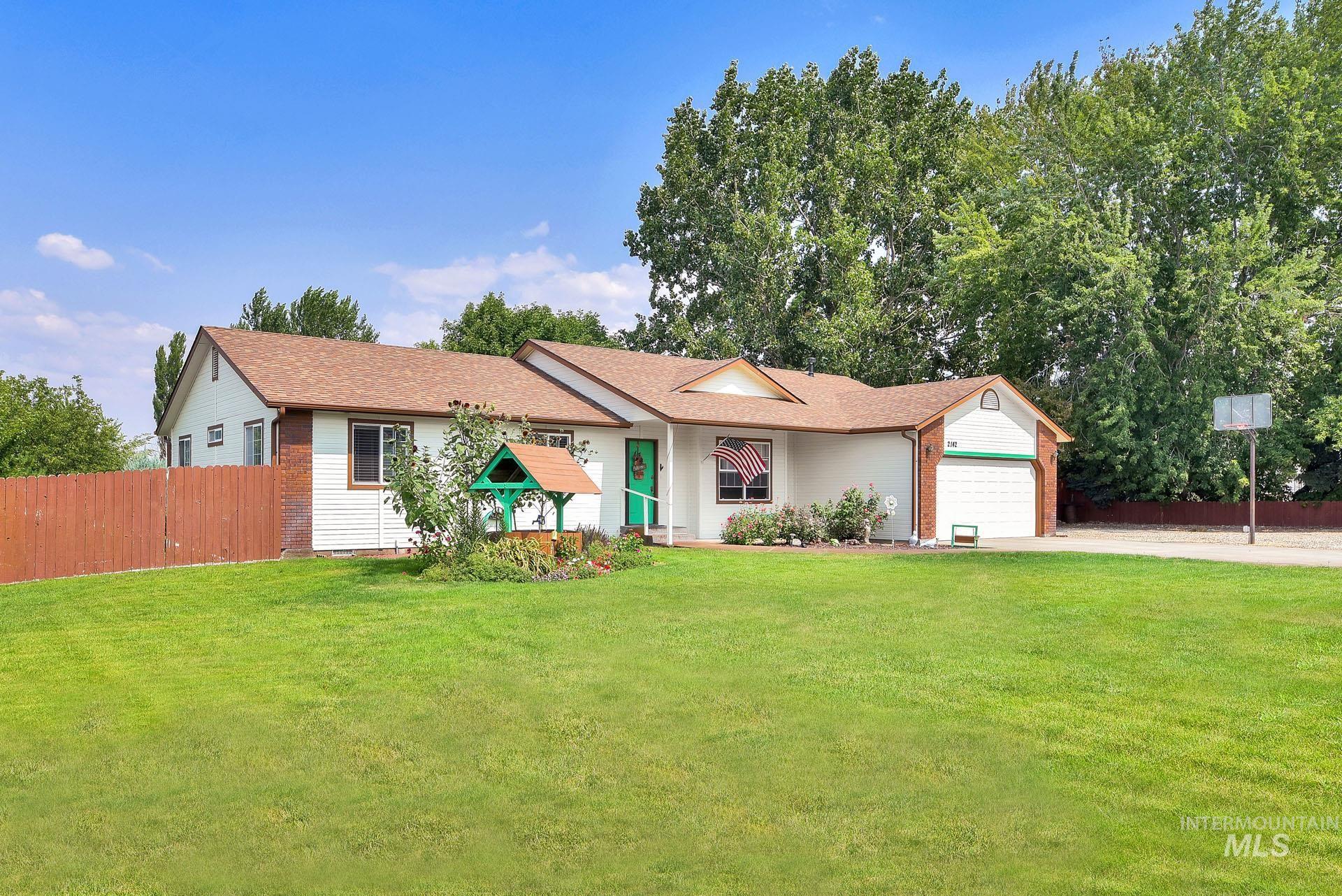 Apple Valley Gem Real Estate Listings Main Image