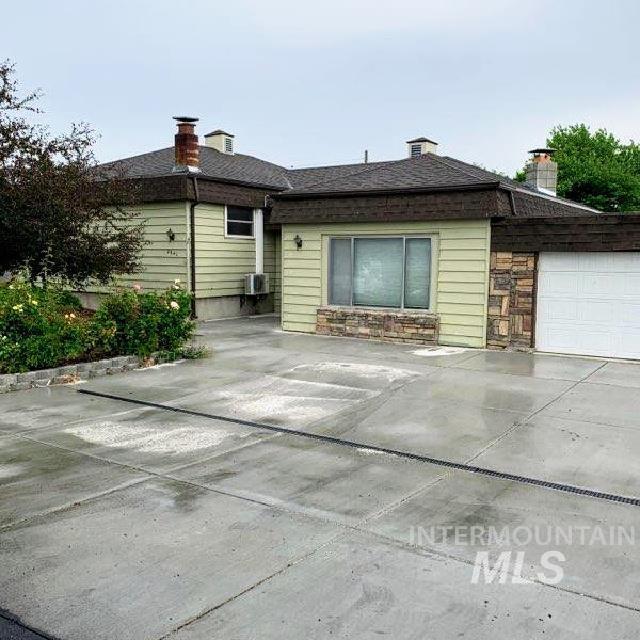 2641 Sunset Drive Property Photo