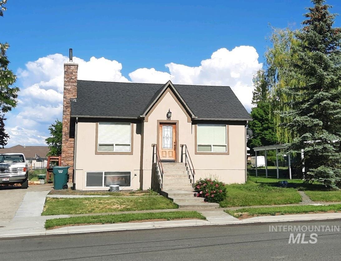309 S B Street Property Photo