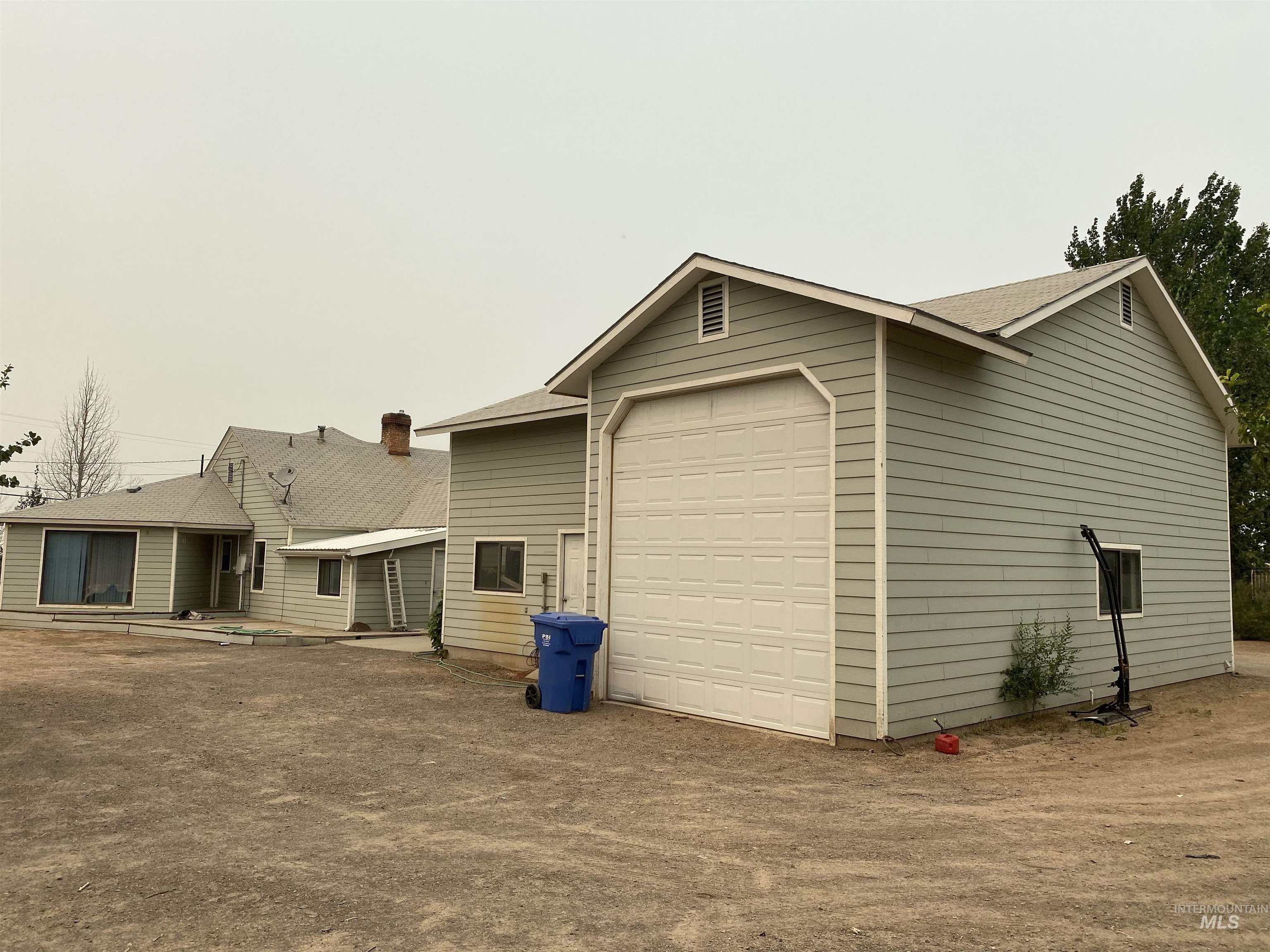 1410 N Lincoln Property Photo 1