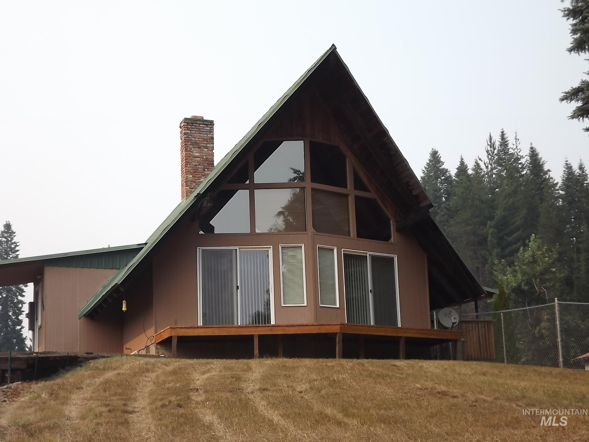 302 Rossiter Court Property Photo